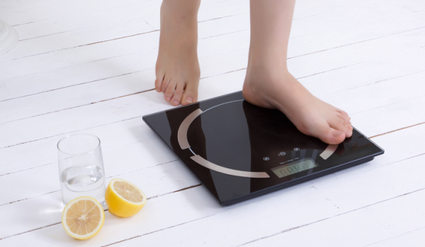 Intelligent scale which measures Weight, Fat, Water, Muscle, Bone