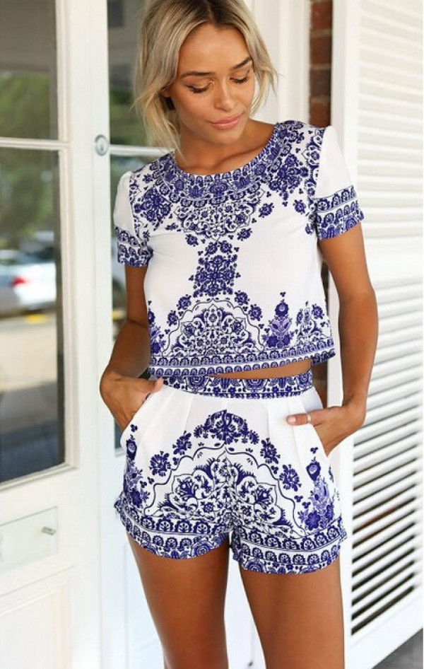 Porcelain T-shirt with High Waist Shorts