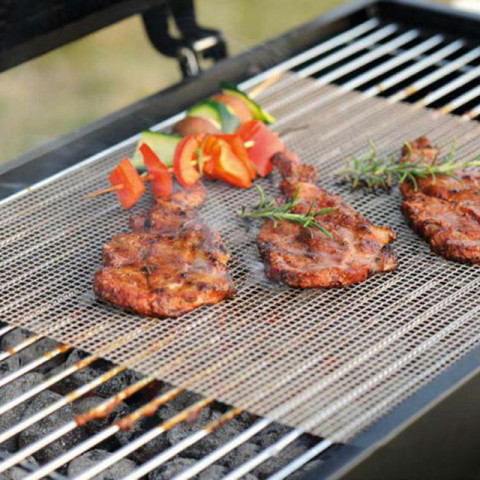 Barbecue grilling mat